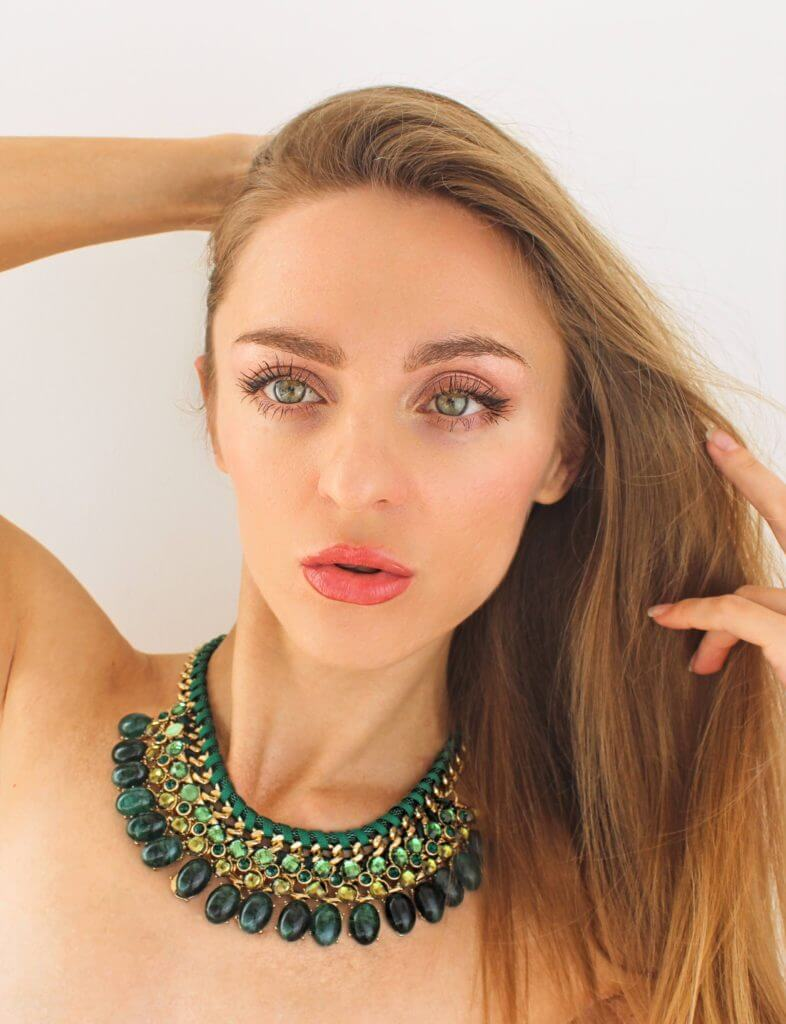 Green eyes makeup: Why Makeup and Fashion is empowering